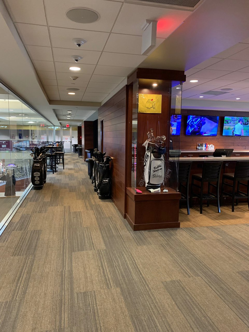 PGA MSP Lounge (Richfield) - 2019 Book in Destination - All You Need