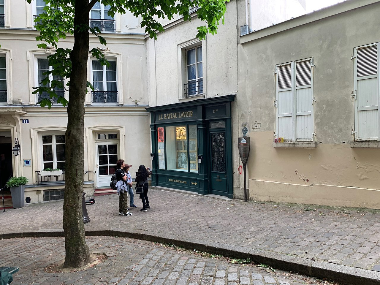 Le Bateau Lavoir Paris 2020 All You Need To Know Before You Go