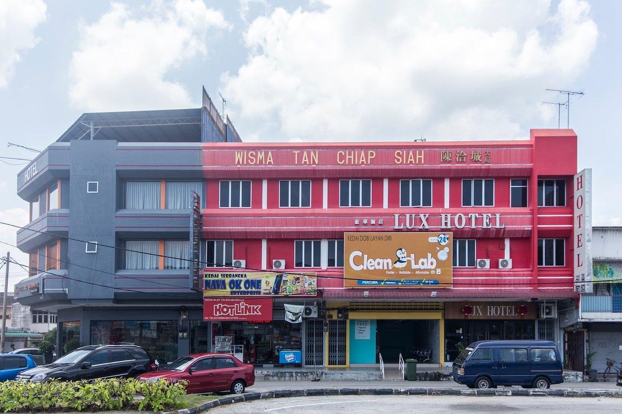 OYO 772 LUX HOTEL - Prices & Lodge Reviews (Teluk Intan, Perak