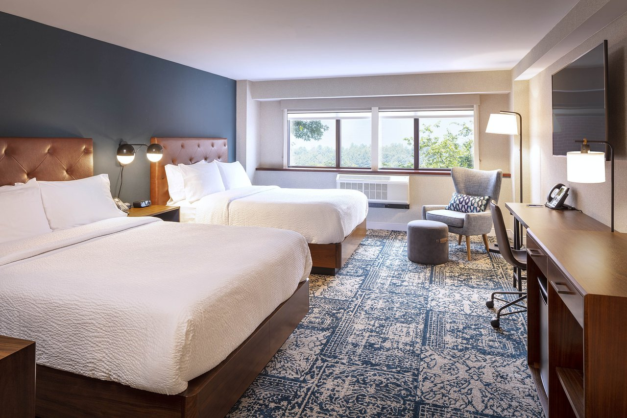THE FOUR POINTS BY SHERATON NORWOOD HOTEL & CONFERENCE