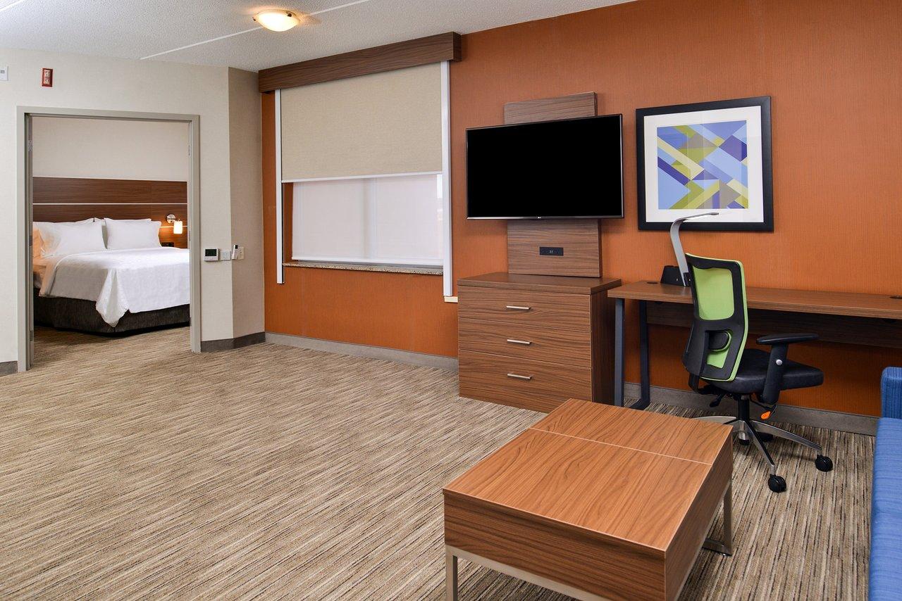 holiday inn express suites downtown buffalo 95 1 7 7 rh tripadvisor com
