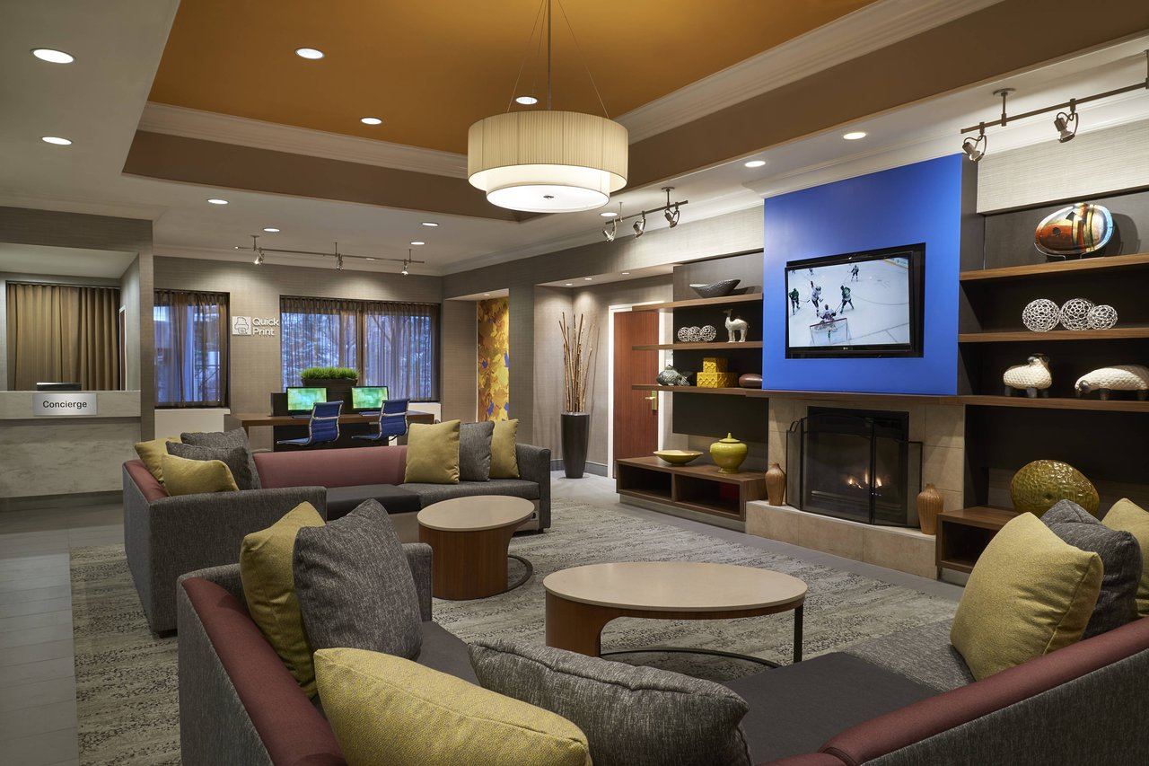 COURTYARD BY MARRIOTT TORONTO DOWNTOWN - Updated 2019 Prices