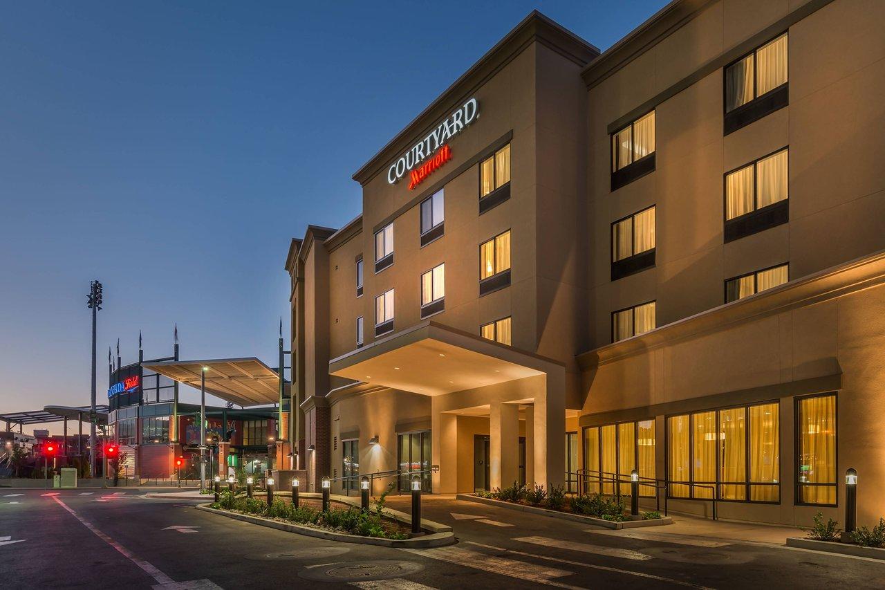 courtyard reno downtown riverfront 159 1 7 0 updated 2019 rh tripadvisor com