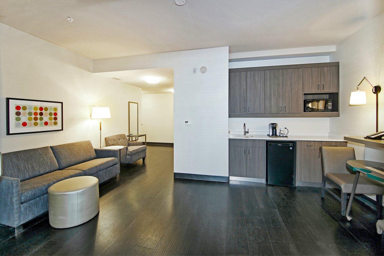 holiday inn hotel suites calgary airport north 65 8 3 rh tripadvisor com