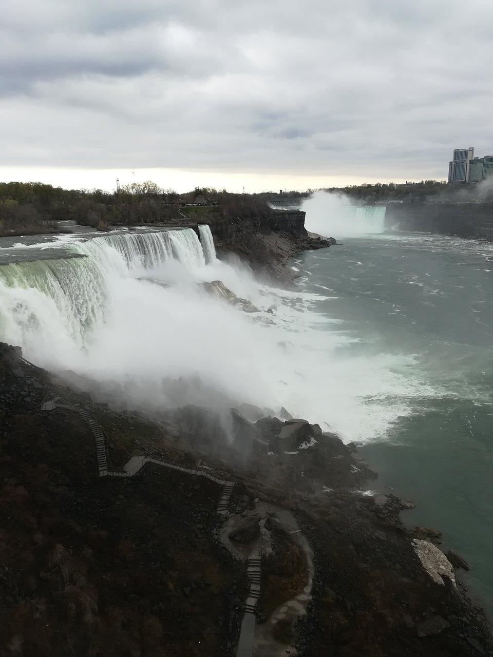 Z New Yorku si můžete naplánovat denní výlet či jen pouhou odbočku k Niagarským vodopádům.