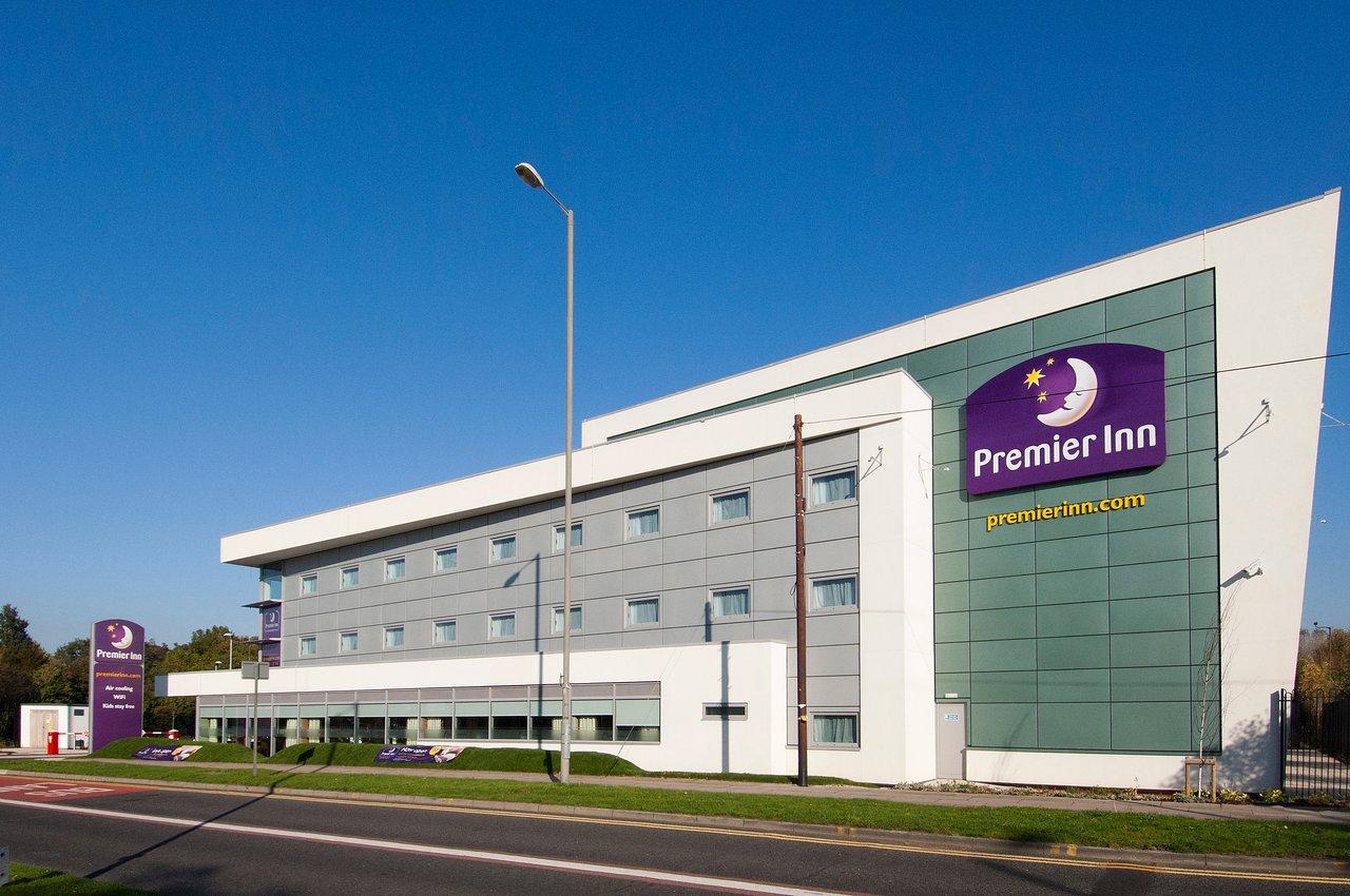 Premier Inn Liverpool John Lennon Airport Hotel 52 7 2