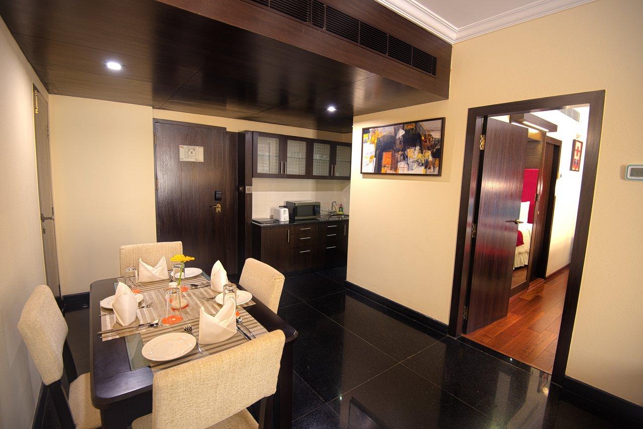 STERLINGS MAC HOTEL $72 ($̶1̶3̶0̶) - Prices & Reviews