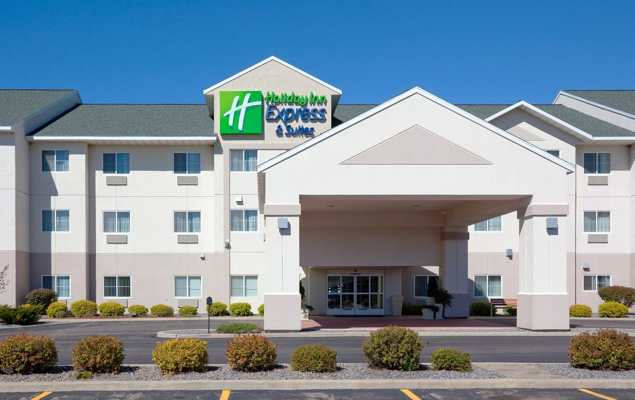 HOLIDAY INN EXPRESS HOTEL & SUITES STEVENS POINT-WISCONSIN