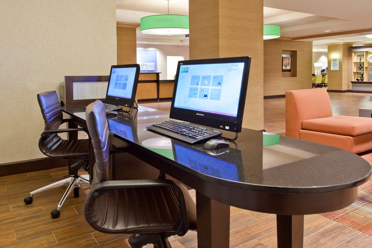 HOLIDAY INN EXPRESS HOTEL & SUITES HUNTSVILLE WEST