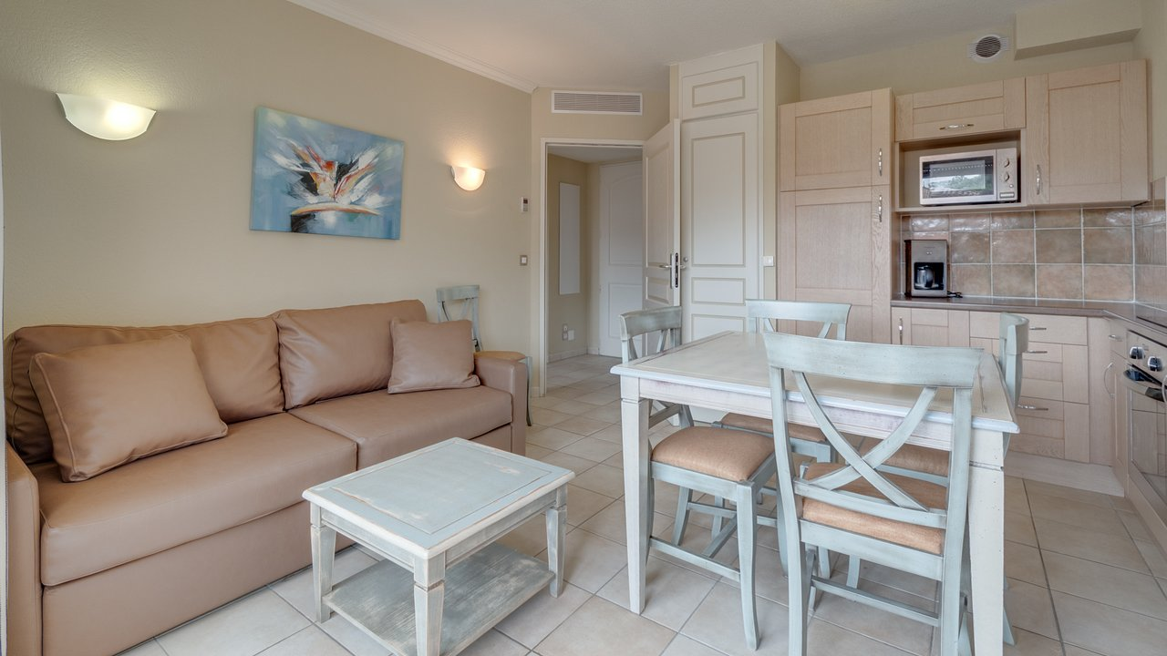 RESIDENCE VACANCEOLE LE DOMAINE DE CAMIOLE - Updated 2019 ...