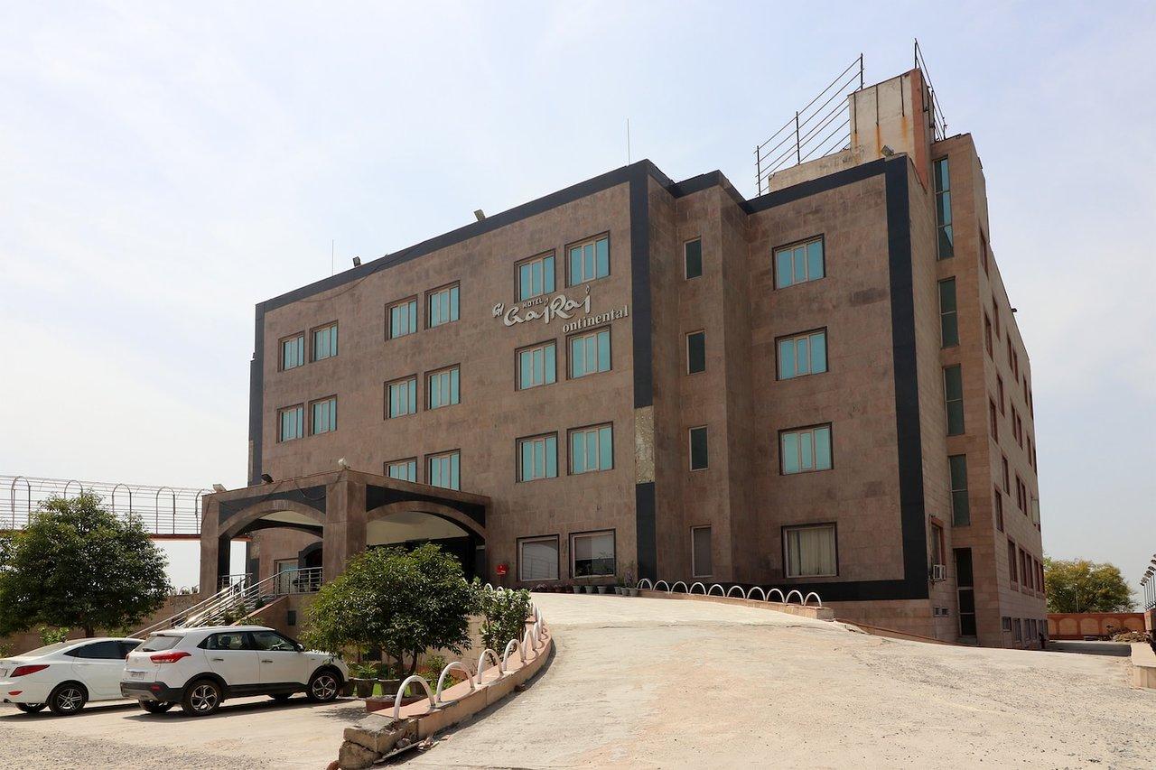HOTEL RED HUTS (Bahadurgarh, Haryana) - Specialty Hotel