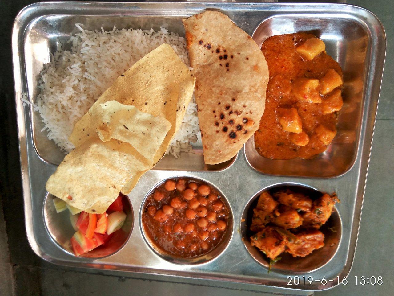 SHRI DELHI GUJARATI SAMAJ (New Delhi) - Guesthouse Reviews