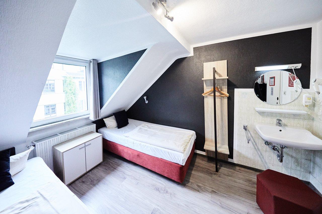 Hotel Alt Deutz Ab 43 5 7 Bewertungen Fotos Preisvergleich