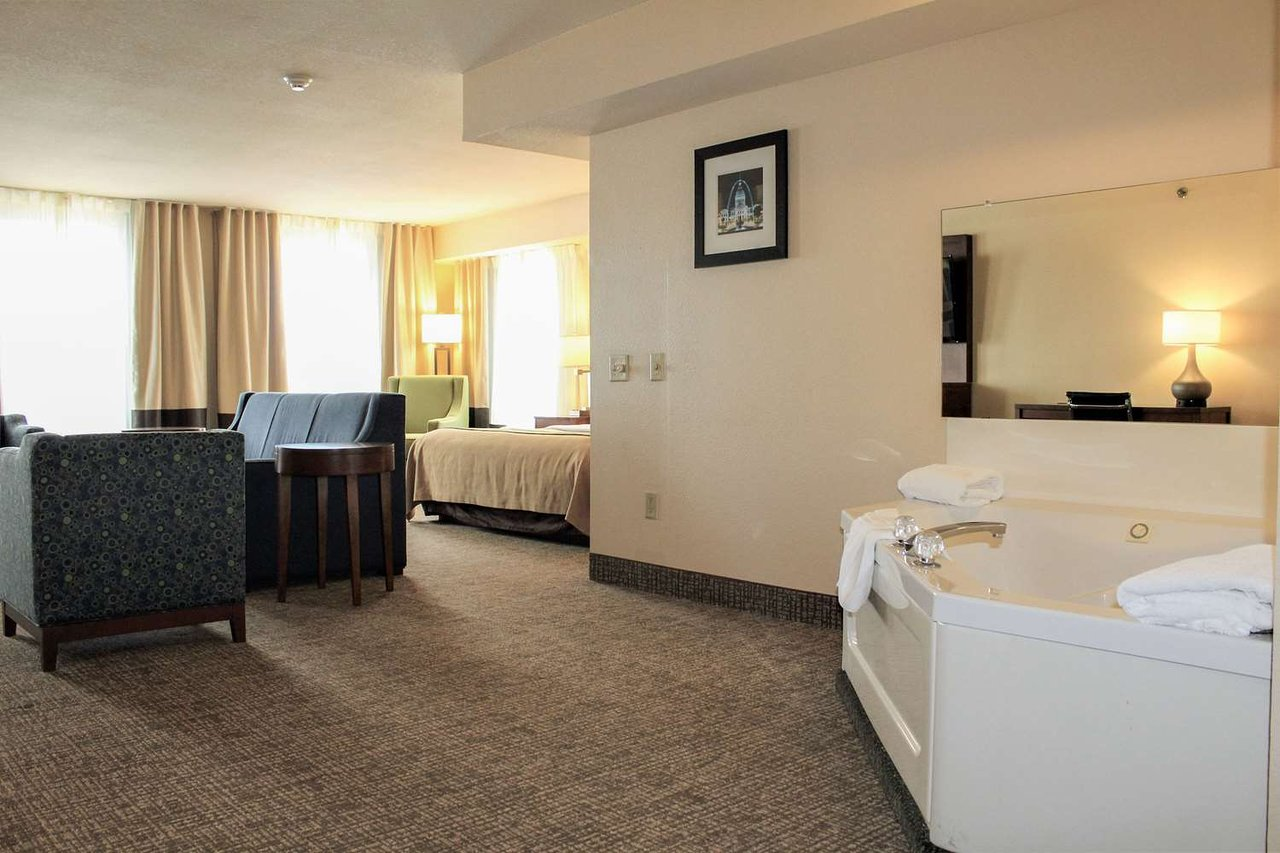 Comfort Inn Suites St Louis Chesterfield 67 9 7