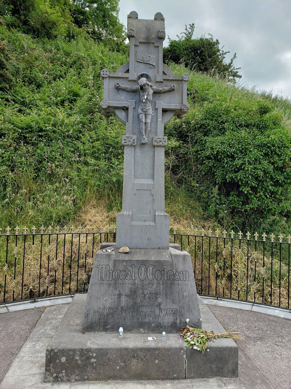 Walking where ghosts tread - The Irish Times