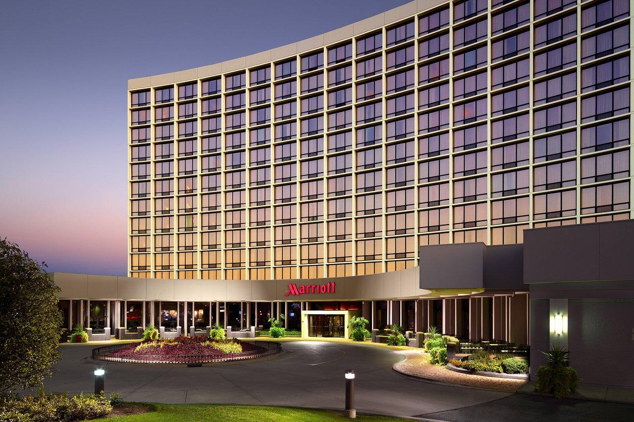 THE 10 CLOSEST Hotels to John Hancock University Oakbrook