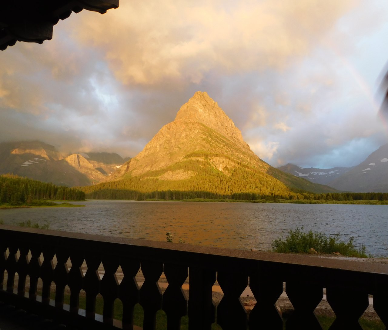 MANY GLACIER HOTEL - Updated 2019 Prices & Reviews (Babb, MT