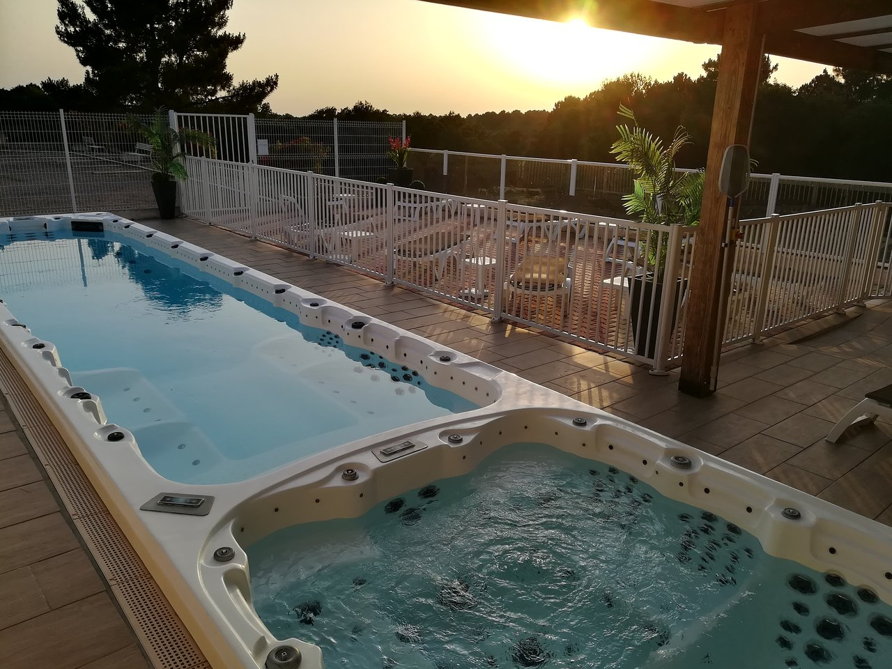 Le Tropicana 86 9 6 Prices Hotel Reviews Douville