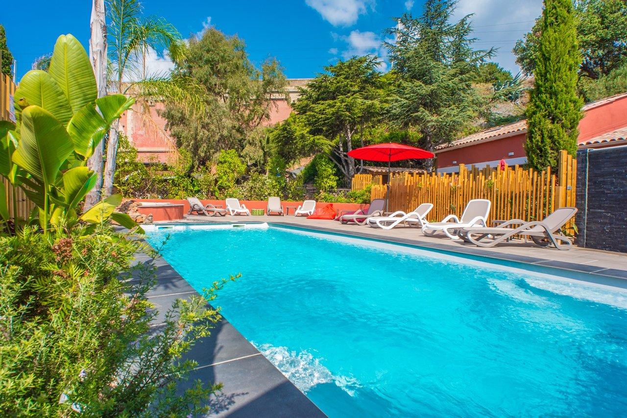 Pin Parasol Distance Maison les flots bleus - prices & hotel reviews (agay, france