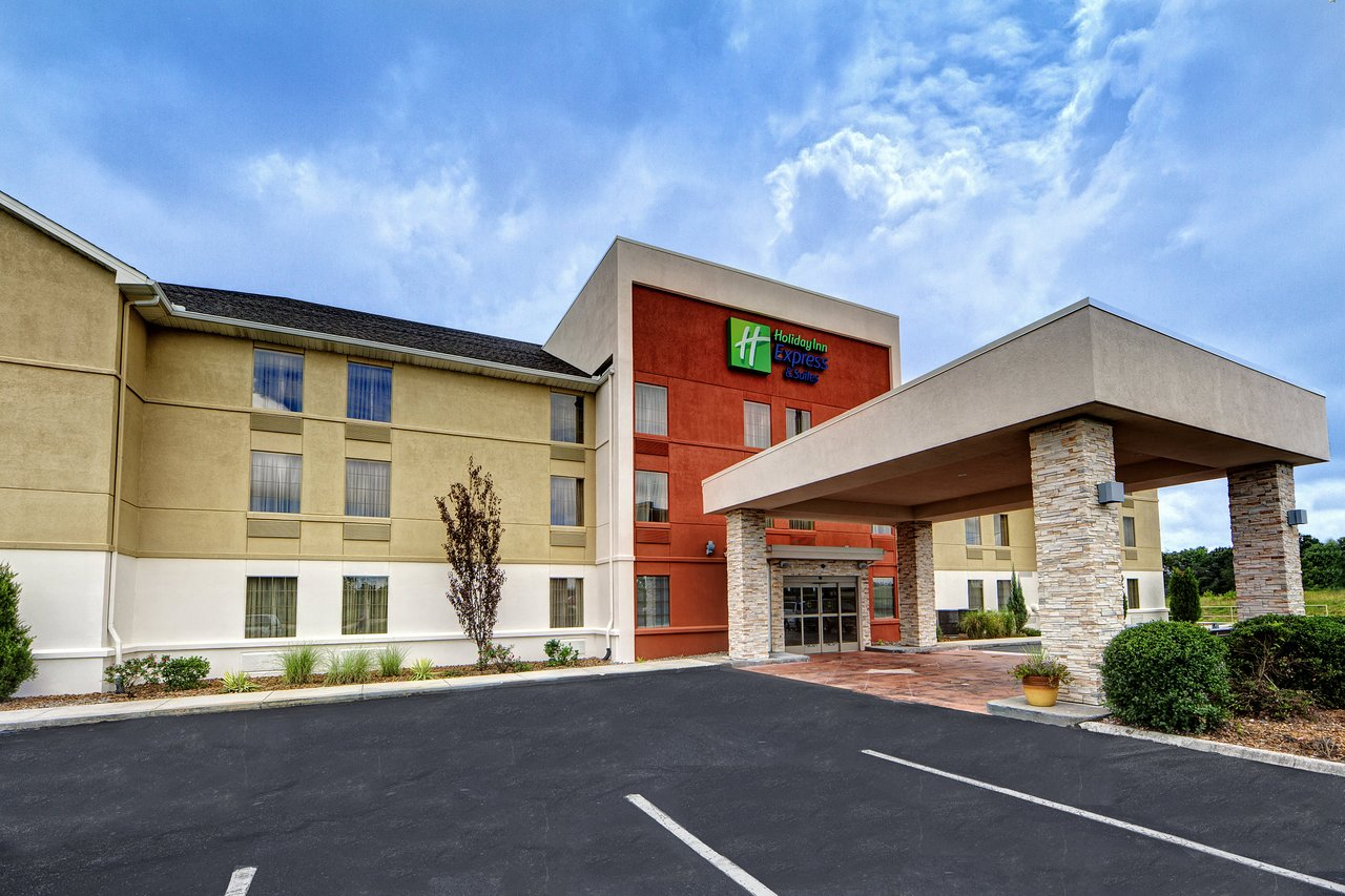 THE 10 BEST Pet Friendly Hotels in Crossville of 2019 (with Prices