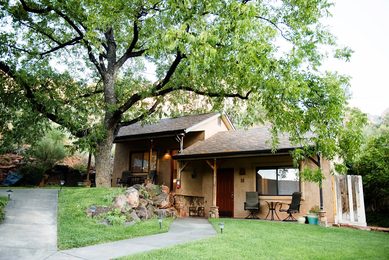 Red Rock Inn Bed and Breakfast Cottages B&B (Springdale ...