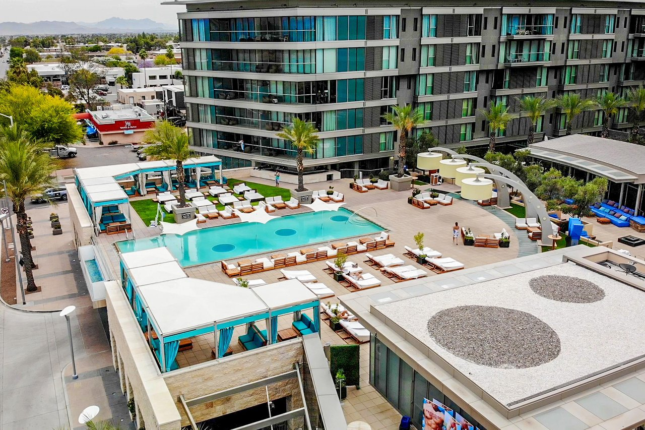 THE 10 CLOSEST Hotels to Harkins Camelview 14 Theatre