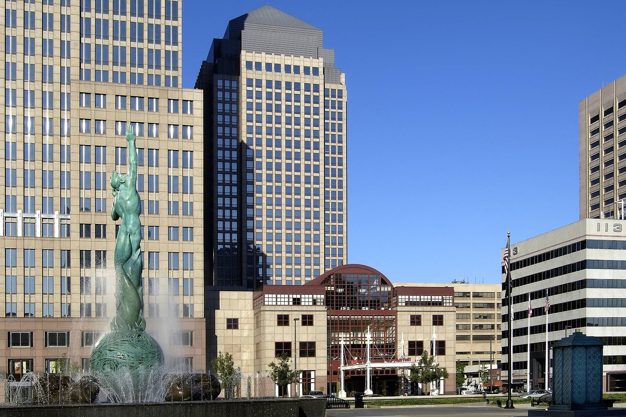 THE 10 CLOSEST Hotels to Cleveland Convention Center