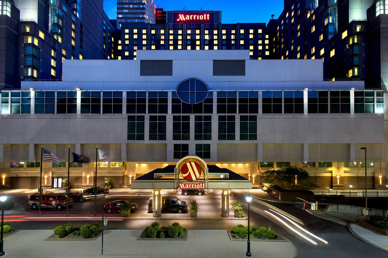 THE 10 CLOSEST Hotels to 13th St Station, Philadelphia
