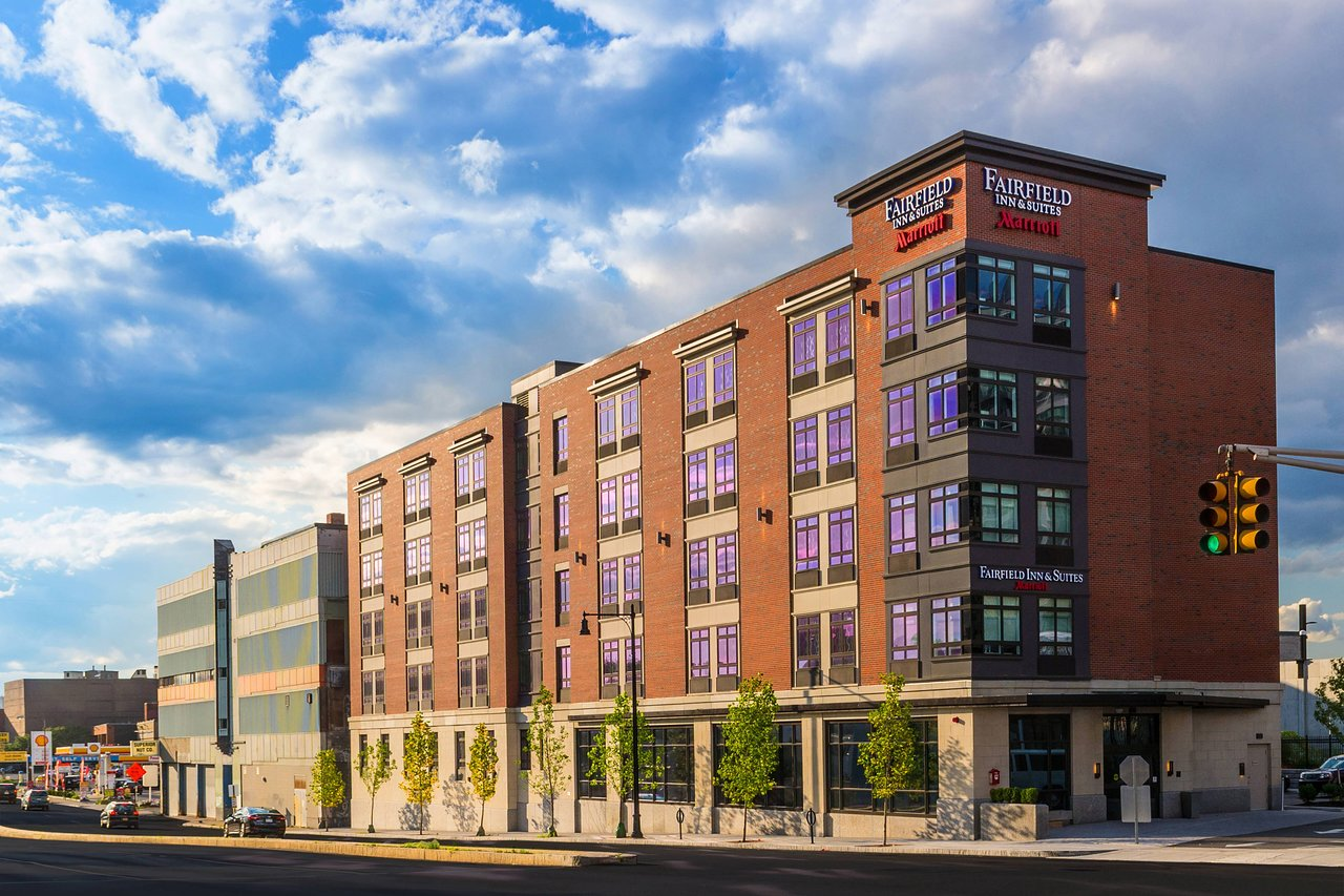THE 10 CLOSEST Hotels to Lechmere Station, Boston