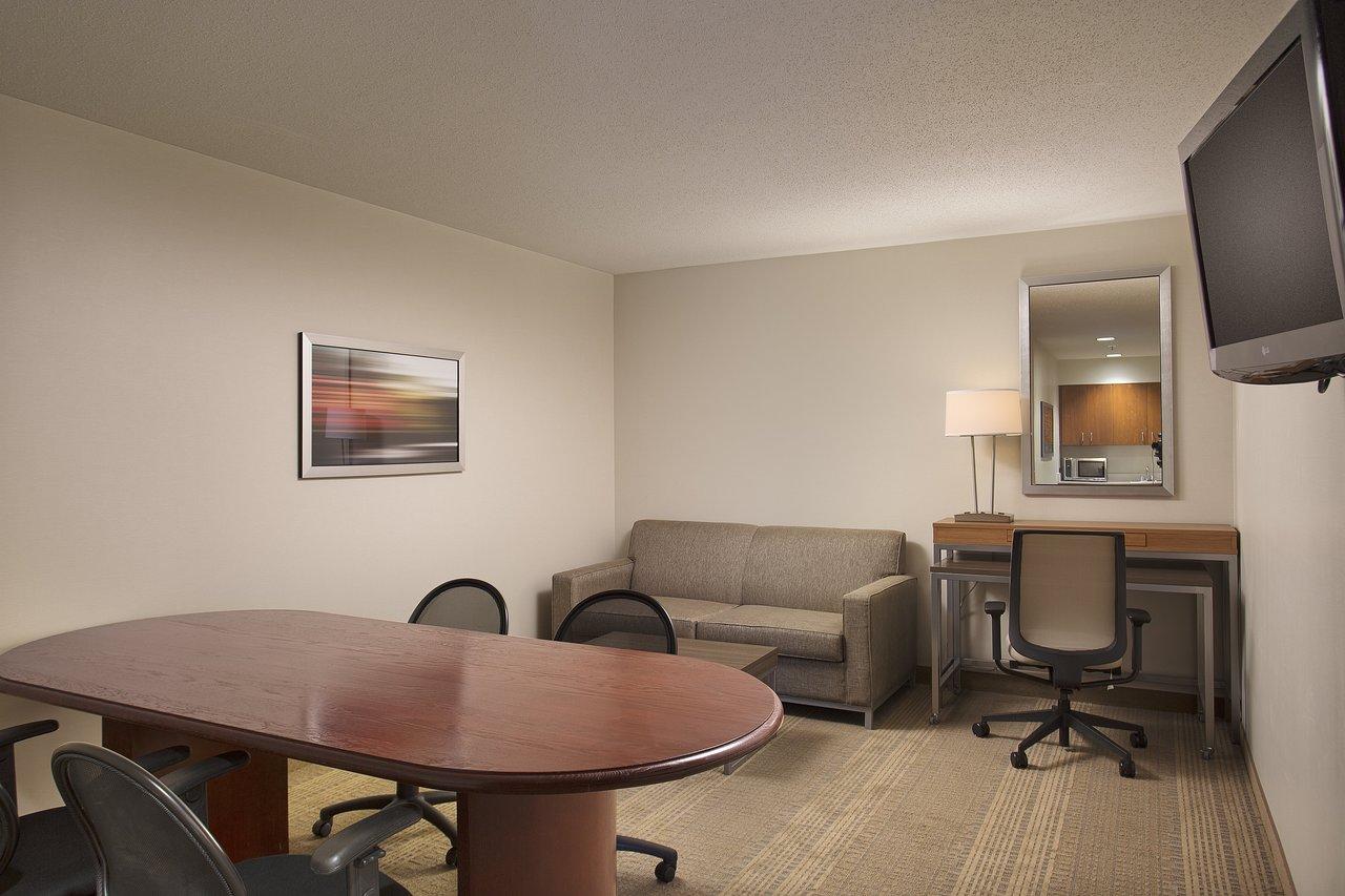 Sensational Holiday Inn Grand Rapids Airport 86 127 Updated Download Free Architecture Designs Viewormadebymaigaardcom