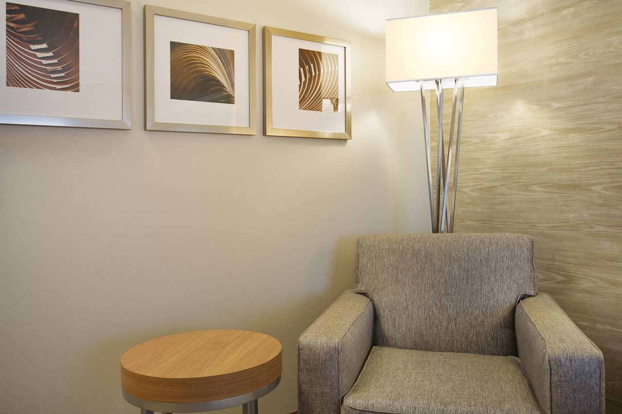 Tremendous Holiday Inn Grand Rapids Airport 86 127 Updated Download Free Architecture Designs Viewormadebymaigaardcom