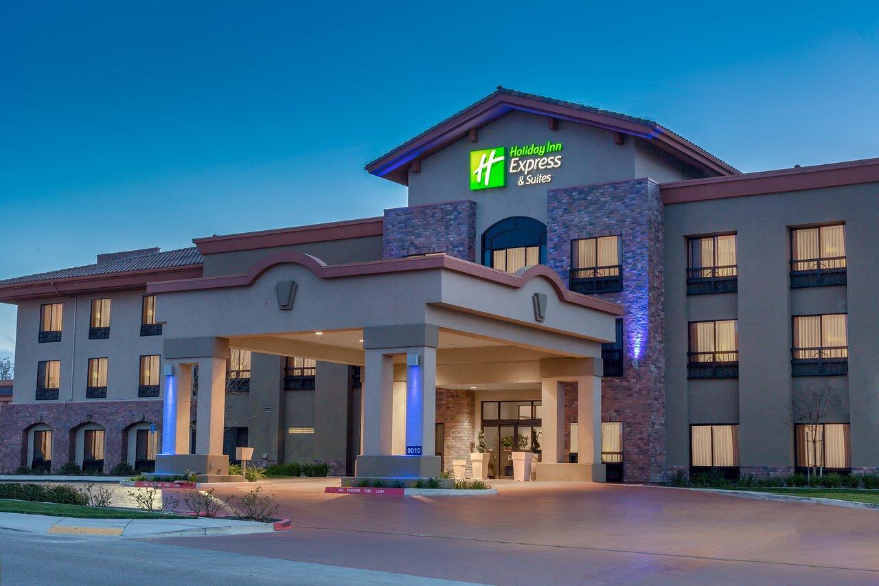 HOLIDAY INN EXPRESS HOTEL & SUITES ATASCADERO $91 ($̶1̶2̶5̶