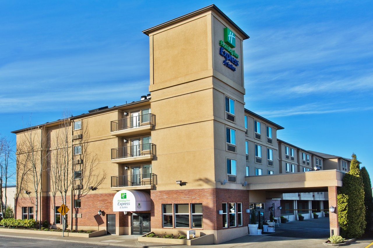 HOLIDAY INN EXPRESS & SUITES PORTLAND-NW DOWNTOWN $161