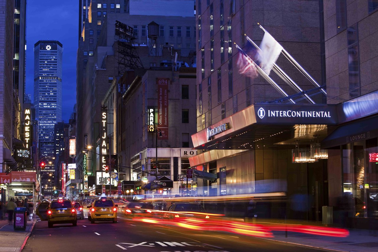 THE 10 CLOSEST Hotels to 42nd St - Port Authority Bus