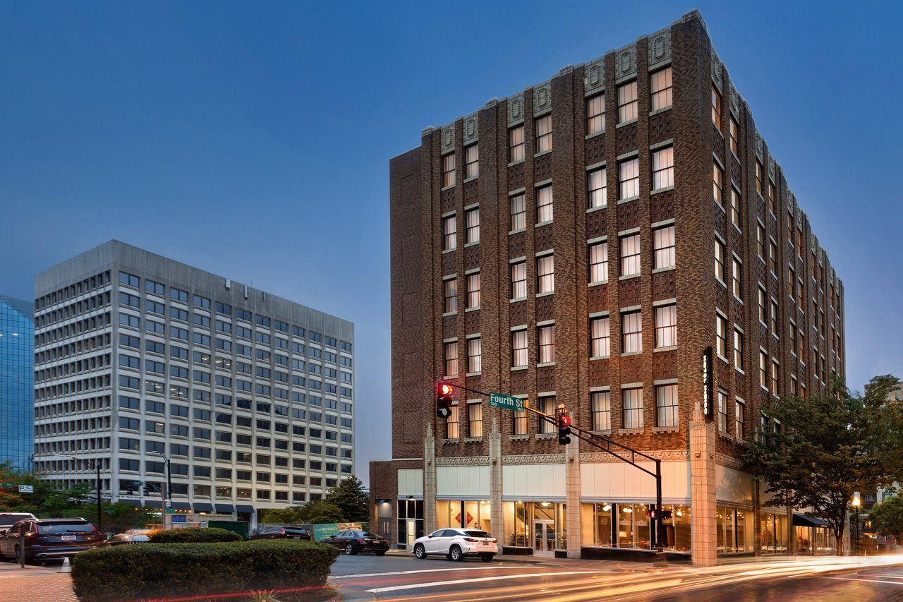 HOTEL INDIGO WINSTON-SALEM DOWNTOWN $111 ($̶1̶2̶7̶
