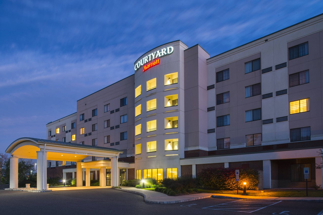 THE 10 CLOSEST Hotels to Mercer County Airport (TTN