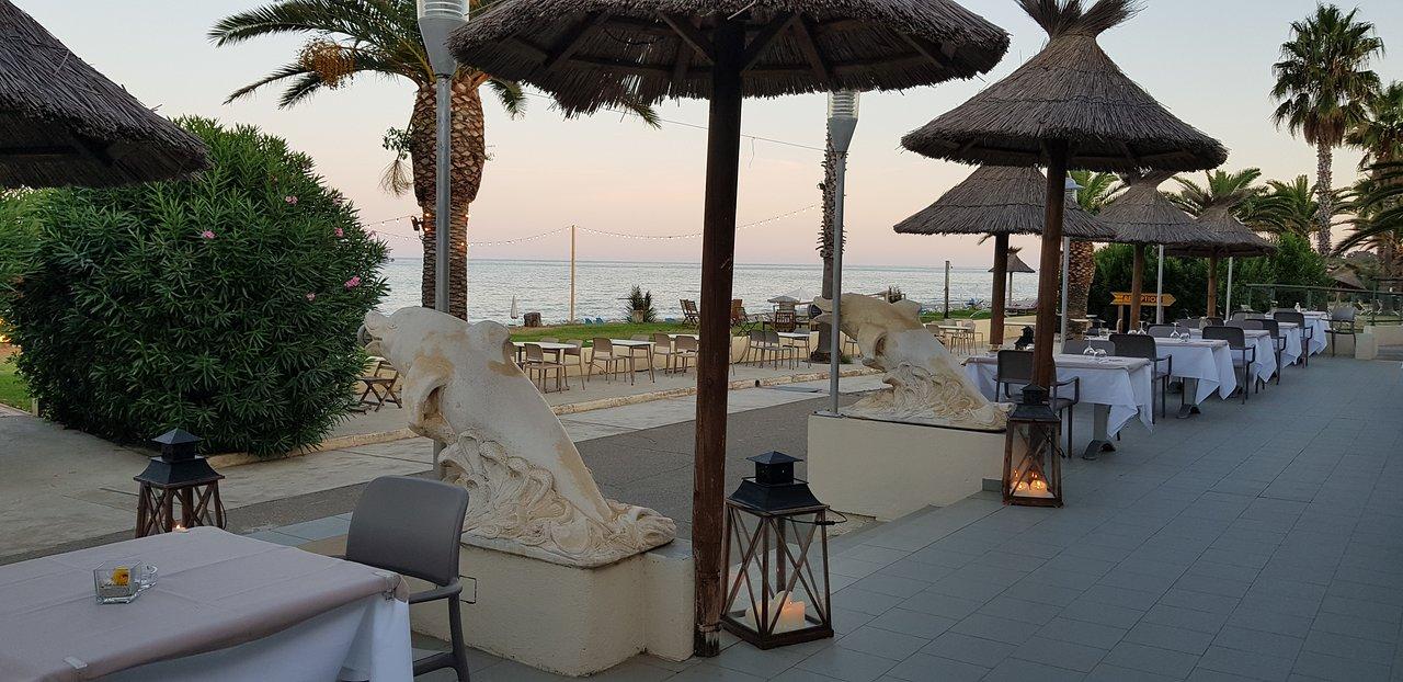 Restaurant avec Terrasse. – Bild von Hotel San Pellegrino, Korsika ...