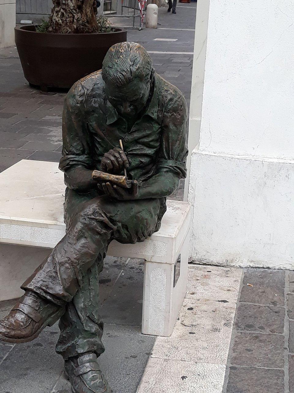 statua-di-benito-jacovitti.jpg