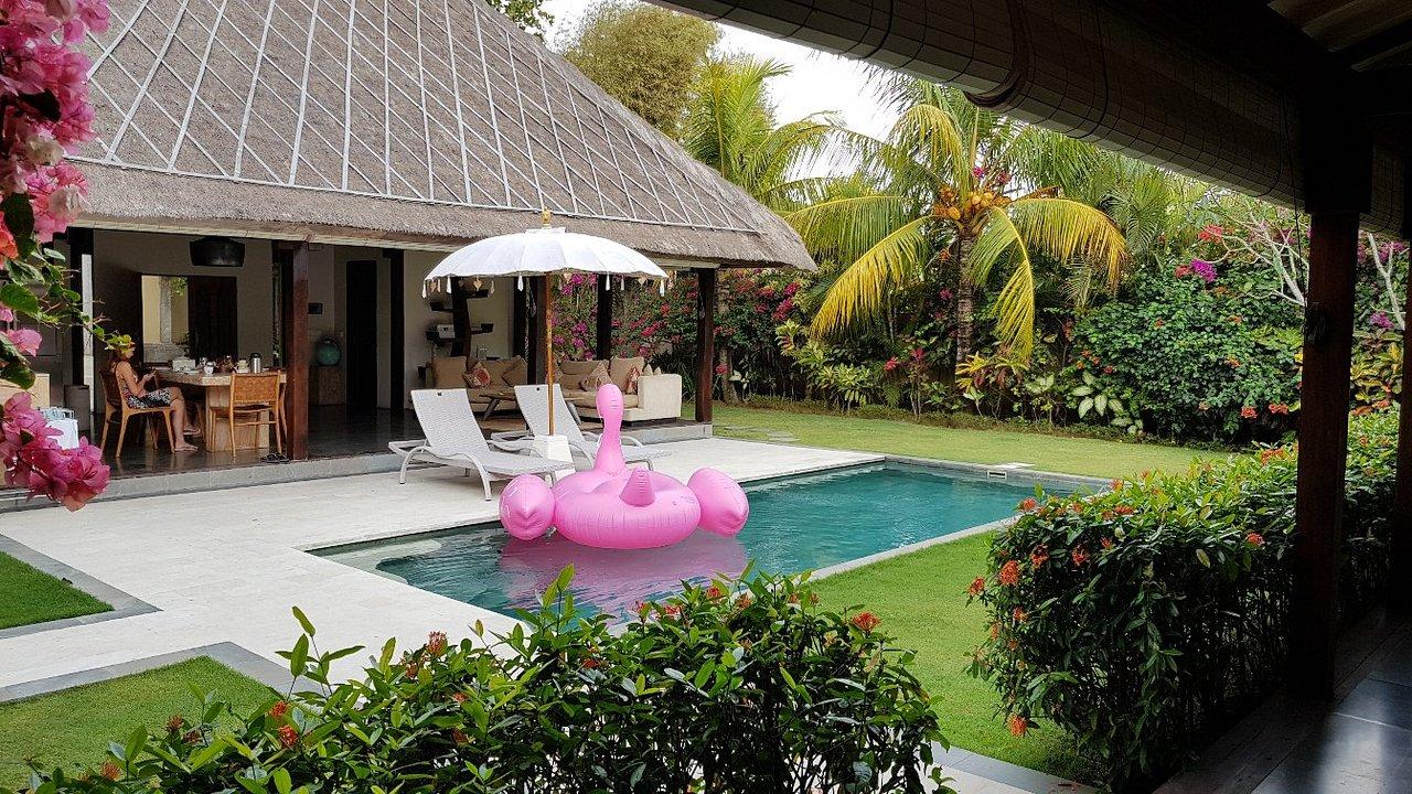 De Campo Grande para a Ásia, noiva escolhe sari rosa como