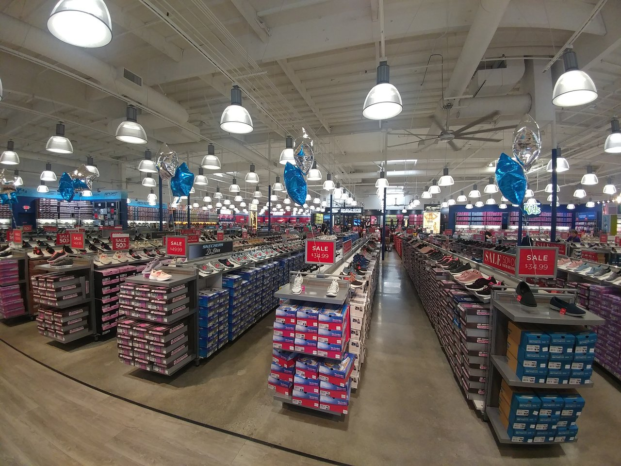 Grafico fórmula Articulación  Skechers Factory Outlet (Gardena) - 2020 All You Need to Know BEFORE You Go  (with Photos) - Tripadvisor