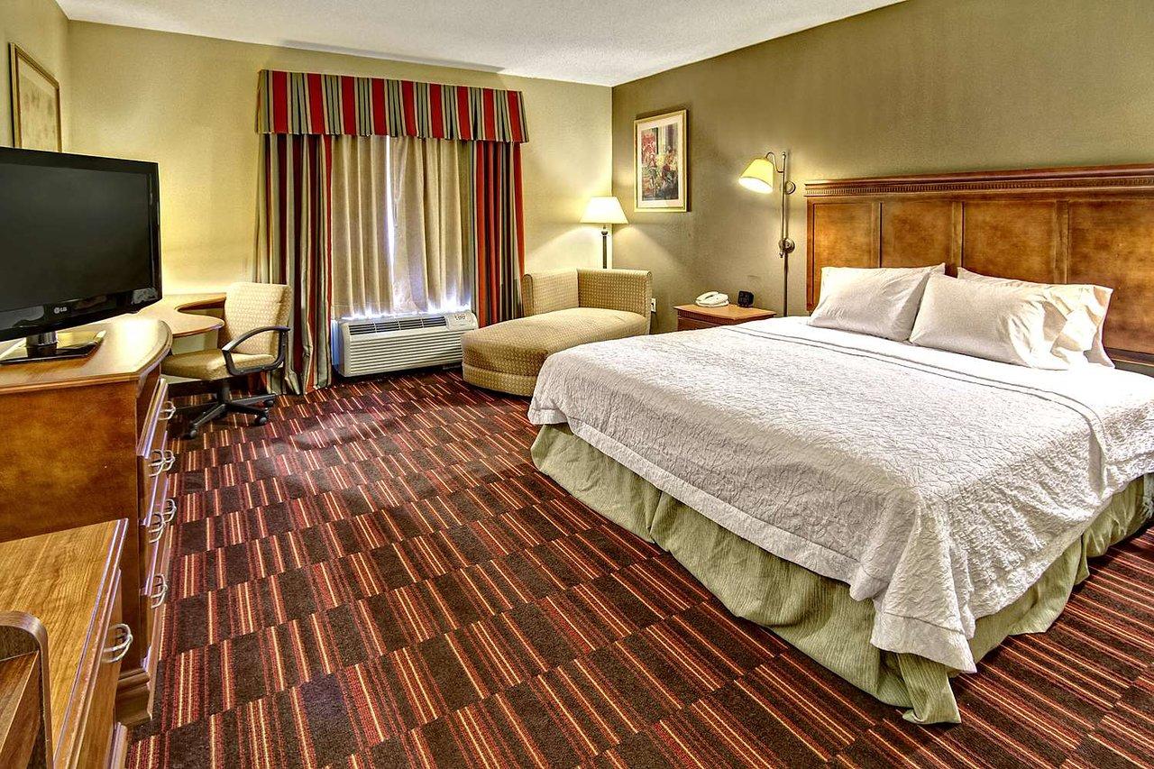 Hampton Inn Cleveland 97 1 1 6 Updated 2020 Prices Hotel