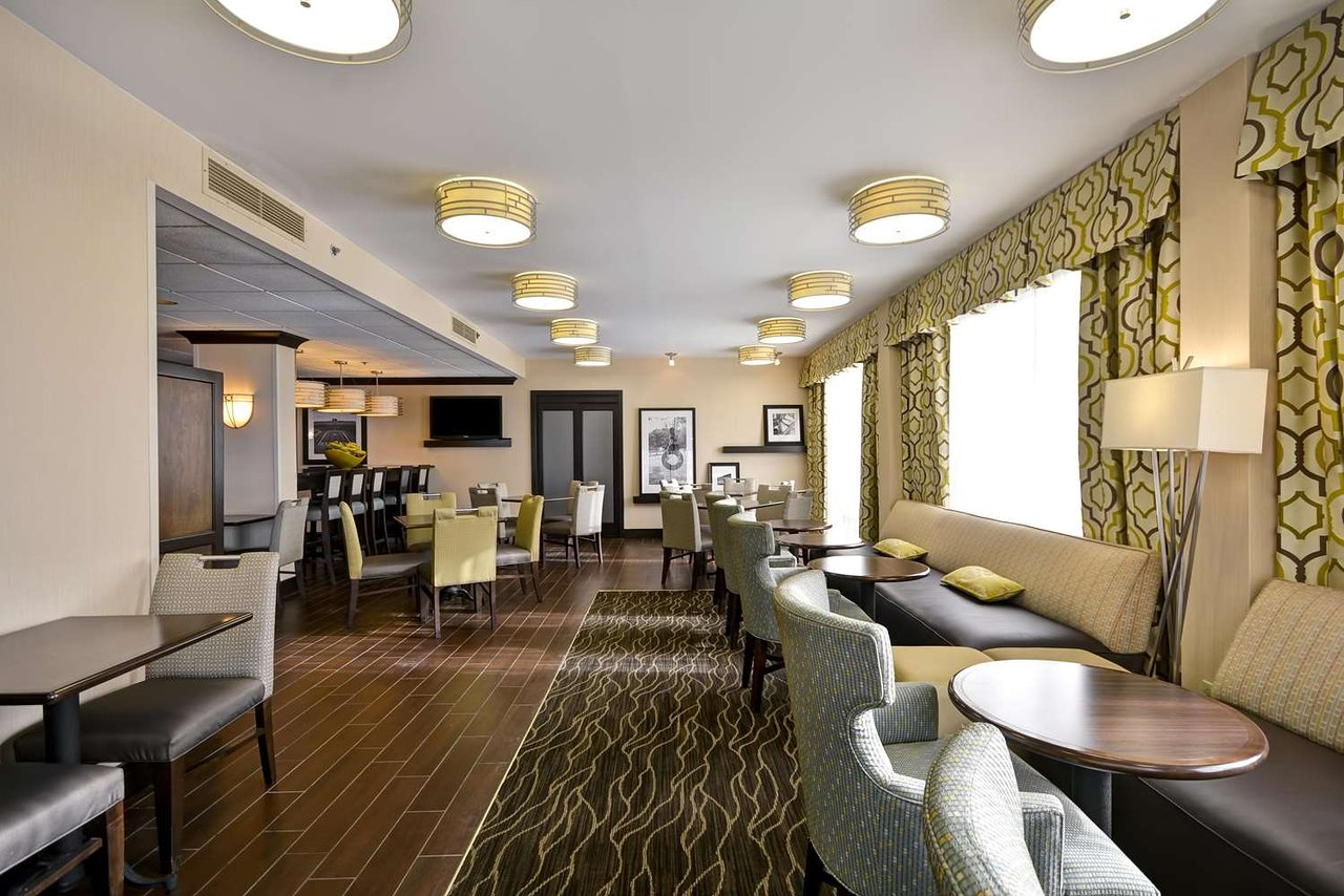 HAMPTON INN DETROIT NORTHVILLE $96 ($̶1̶4̶4̶) - Updated 2020 ...