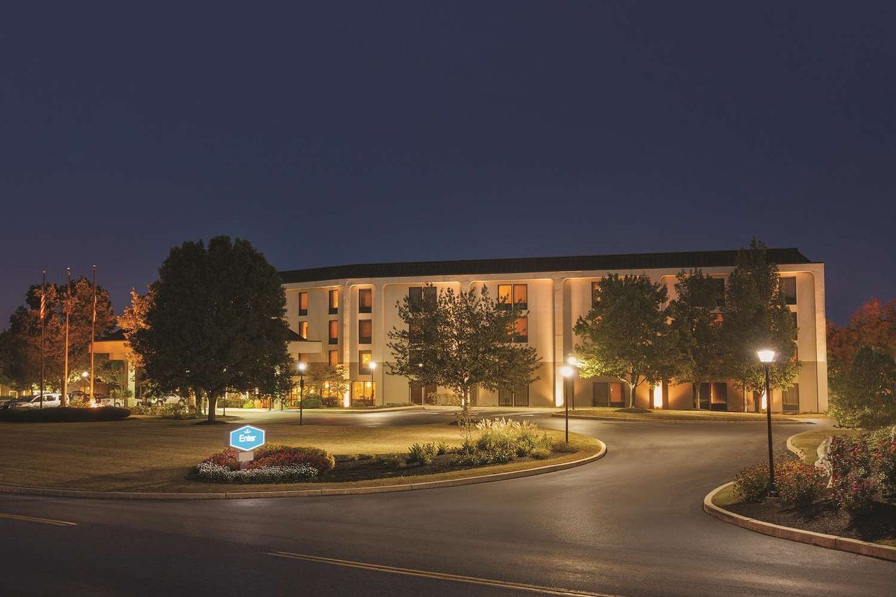 THE 10 CLOSEST Hotels to Discover Lancaster Visitors Center