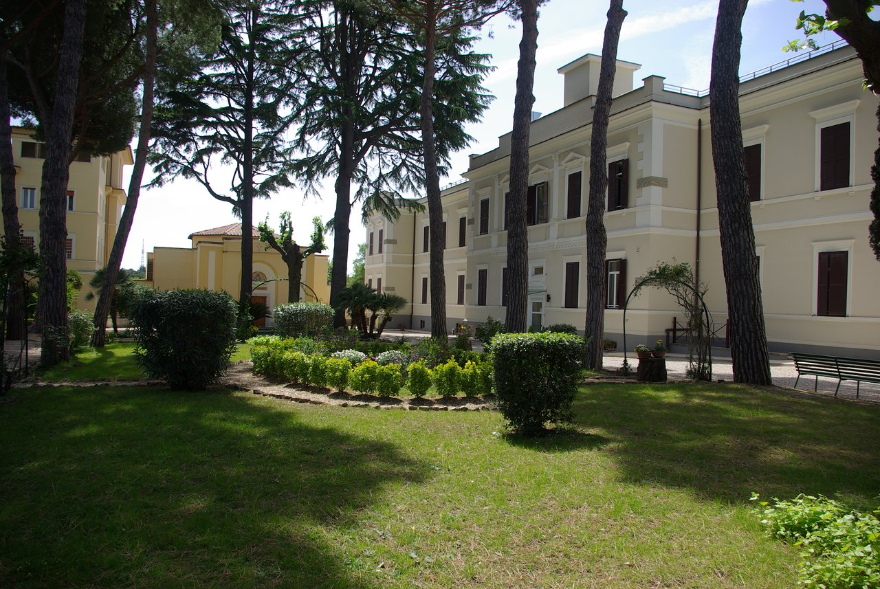 Casa Per Ferie San Luigi Prices Hotel Reviews Rome Italy