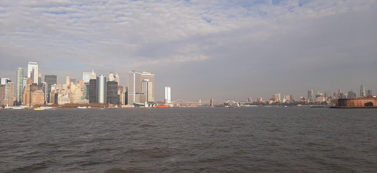 Teraz je v New Yorku Spojené štáty americkéa populárnej série Sex a mesto.