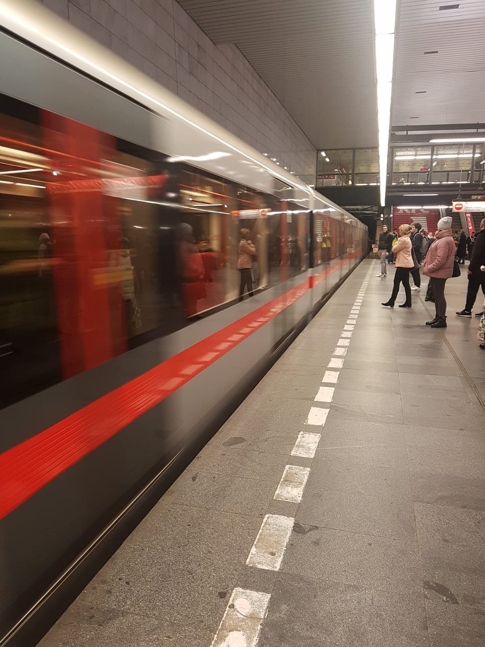 Dating Metro Prag tidig dating Scan 7 veckor