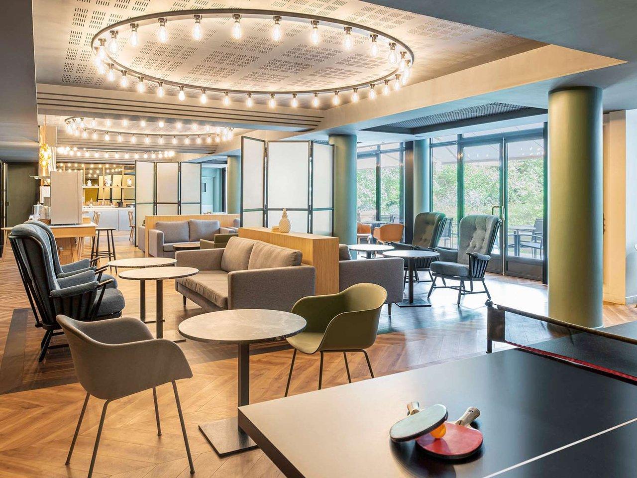 La Maison Bleue Issy Les Moulineaux adagio paris porte de versailles hotel (issy-les-moulineaux