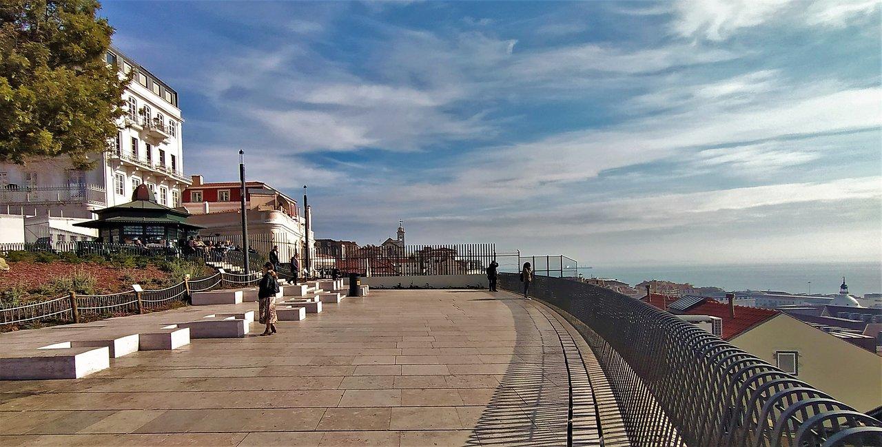 Miradouro De Santa Catarina Lisboa Atualizado 2020 O Que Saber