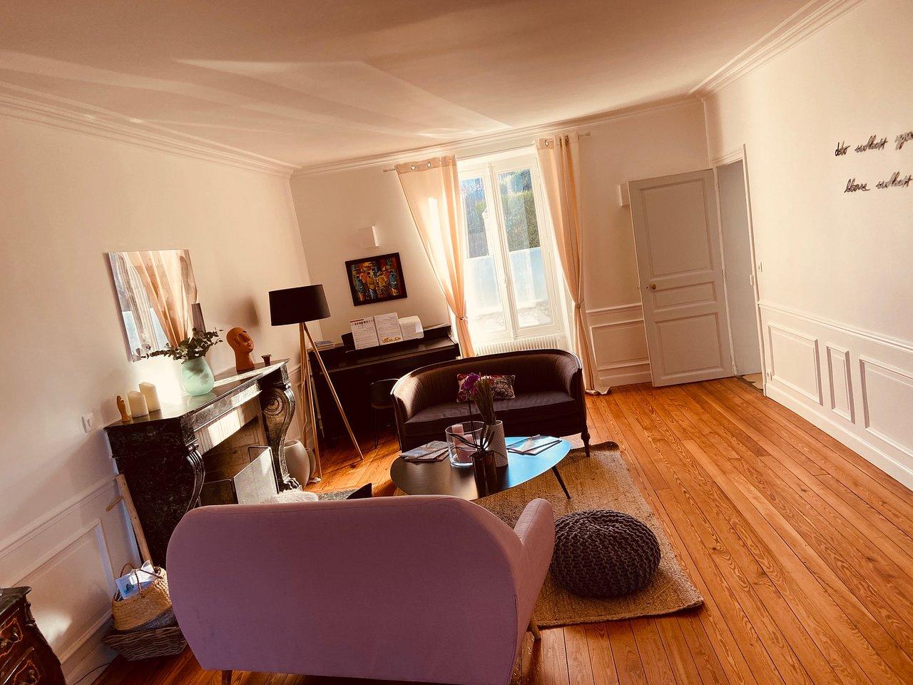 Le Rendez Vous Enchanté Le Chesnay villa trianon versailles - prices & b&b reviews (le chesnay
