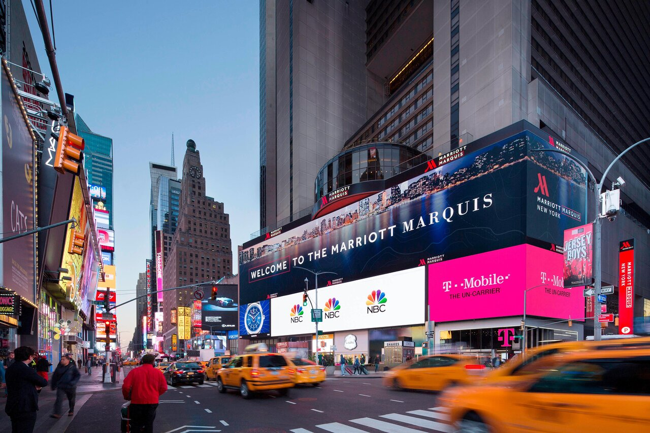 THE 10 CLOSEST Hotels to Midtown Theater, New York City ...